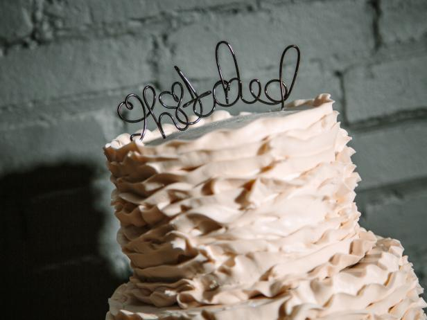 9-How-To-Make-A-Wire-Cake-Topper