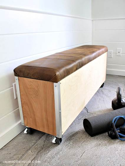 9-Moveable-Bench-with-Storage