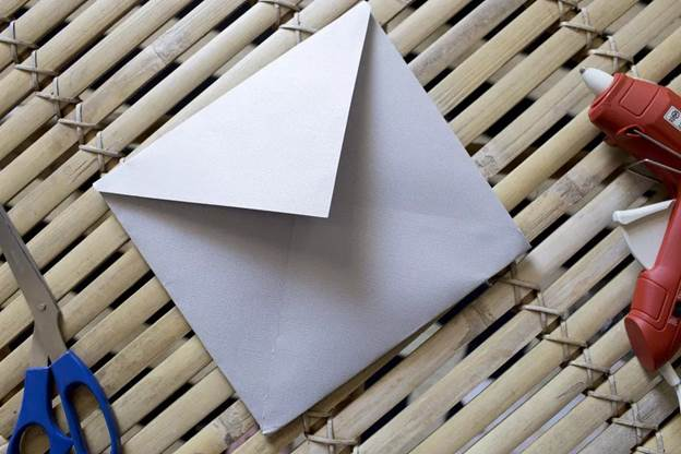 1-How-To-Make-An-Envelop-With-Paper