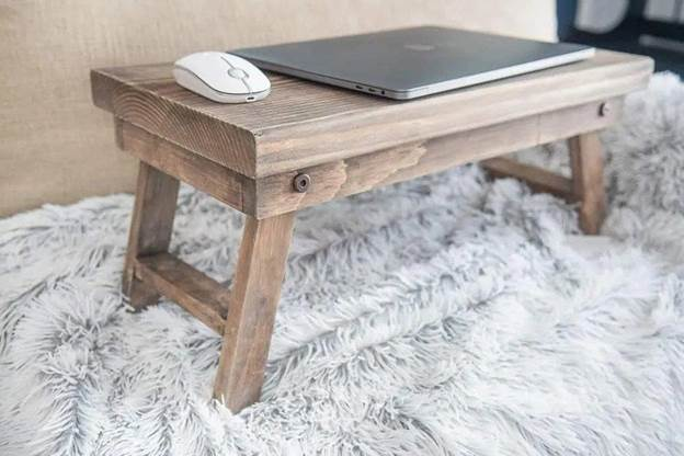 11-DIY-Folding-Laptop-Desk