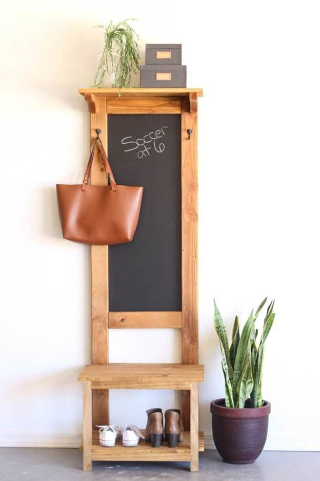 11-How-To-Build-A-Hall-Tree-With-ChalkBoard