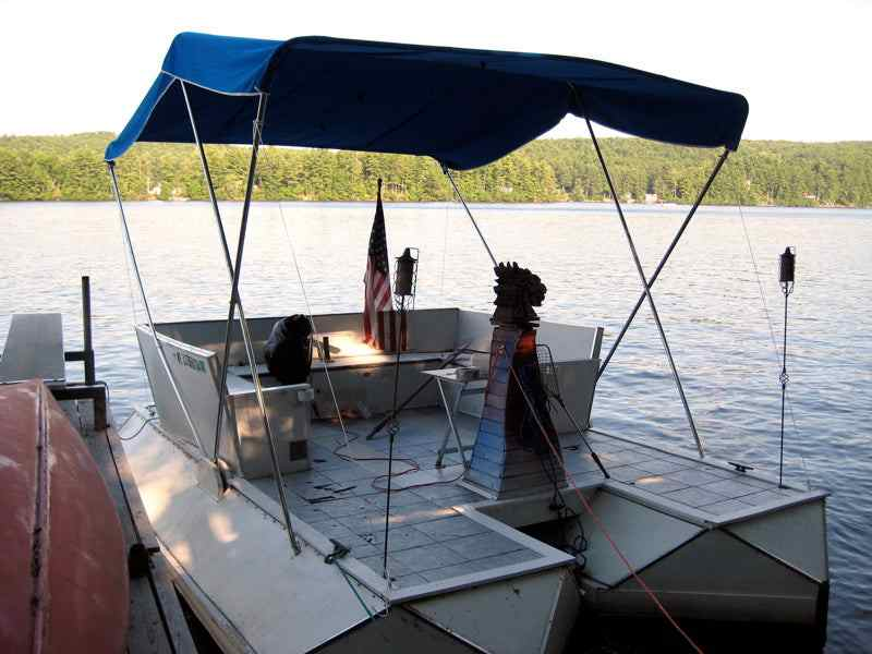 12-Soda-Bottle-Pontoon-Boat