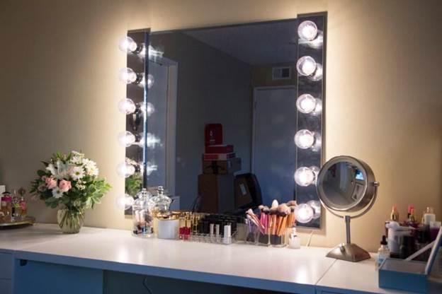 14-DIY-Vanity-Mirror-With-Light-Step-By-Step