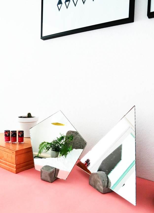 16-DIY-Concrete-Vanity-Mirror