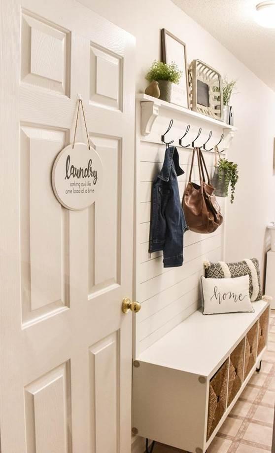 16-DIY-Shiplap-Hall-Tree-With-Bench