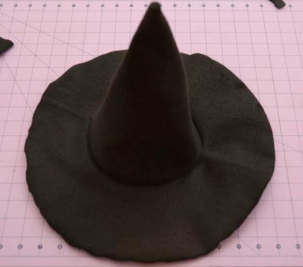 18. How To Make Felt Witch Hat