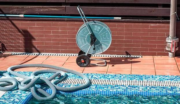 2. DIY Pool Vacuum