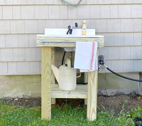 2. How To Build A DIY Outdoor Sink