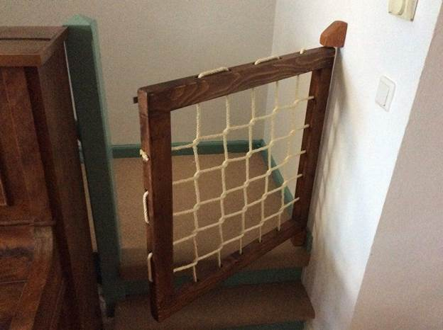 20-DIY-Ship-Style-Baby-Gate