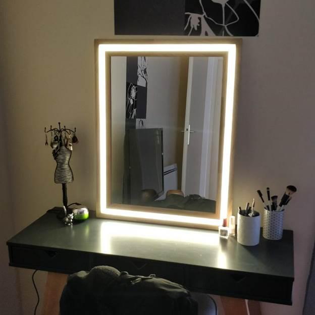 4-DIY-LED-And-Wood-Vanity-Mirror