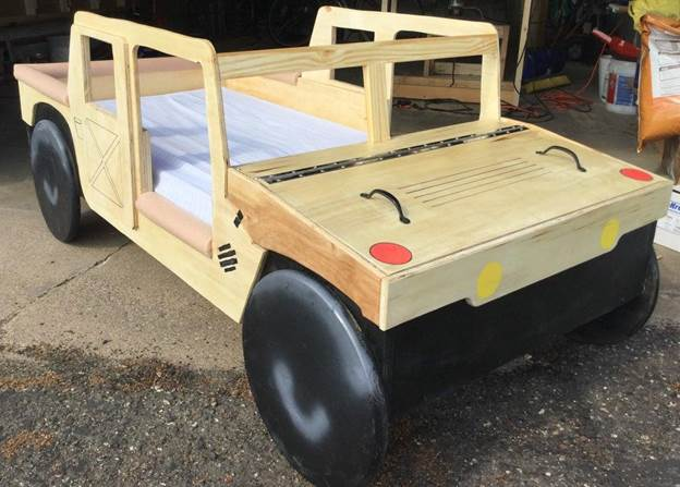 4-DIY-Toddler-Bed-With-Toy-Box