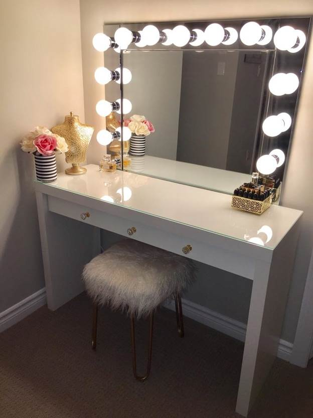 5. DIY Vanity Mirror with Desk Light