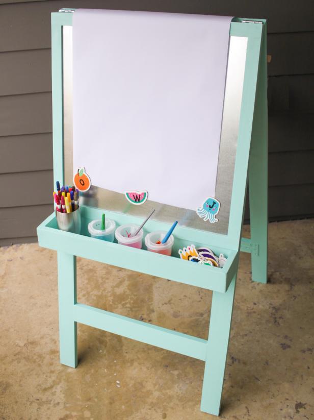7-DIY-Kids-Art-Easel