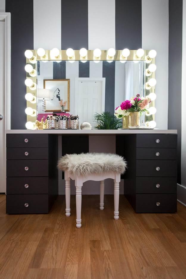 7-DIY-Vanity-Mirror-WIth-Lighting