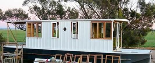7. Large-Sized Houseboat