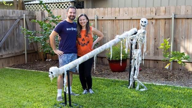 9-Halloween-Candy-Slide-DIY