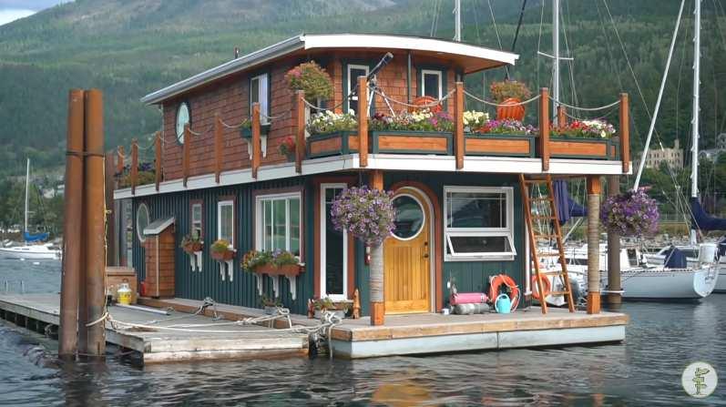 9. Off-Grid Houseboat