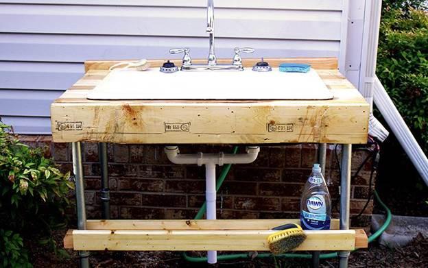 9. Outdoor Garden Sink DIY