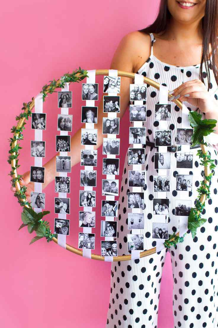 1.Easy To Assemble DIY Hula Hoop Photo Display