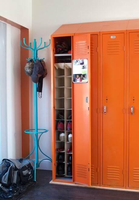 1.Use lockers-1