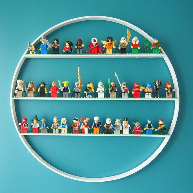 10.DIY Hula Hoop Shelves