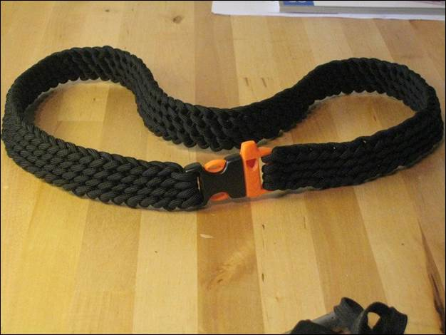 12. How To Make A Paracord Rescue Belt