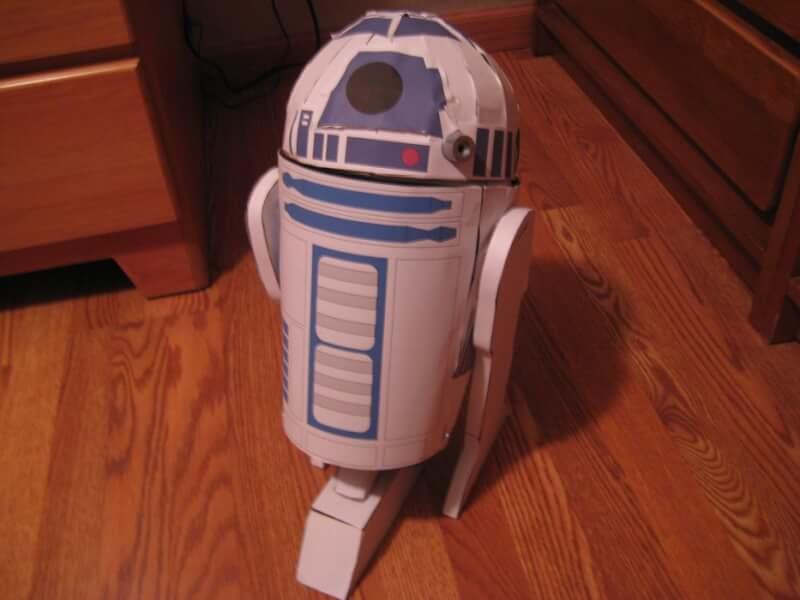 14. R2-D2 themed trash can