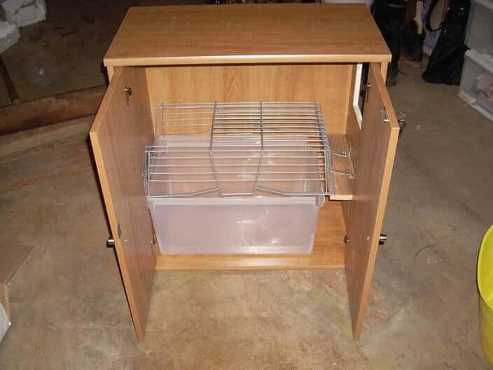 "15. ""Hide-in-plain-sight Cat Litter box DIY"