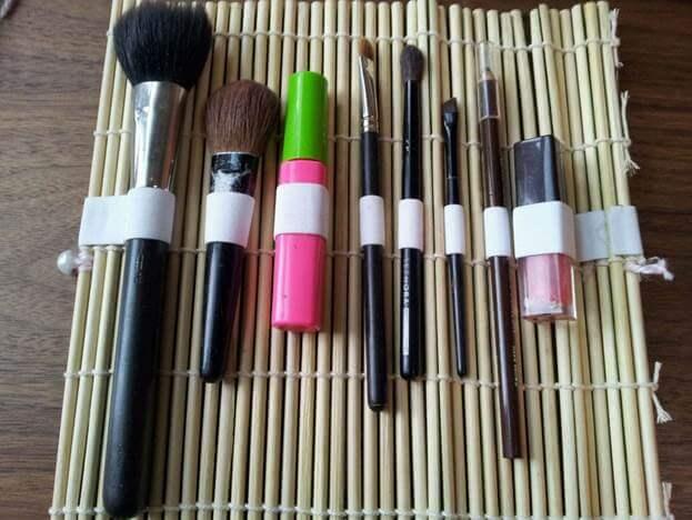 15. Sushi Mat DIY Makeup Brush Holder