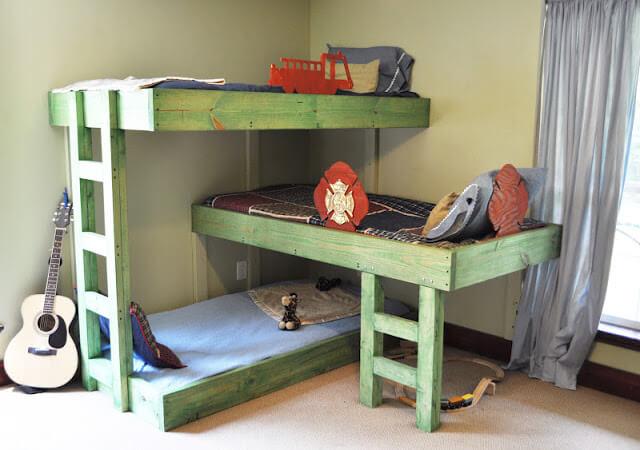 15. Triple Bunks kids bed