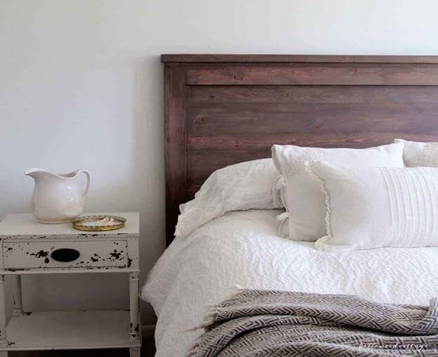 15.Pine And Milk Paint DIY Rustic Headboard