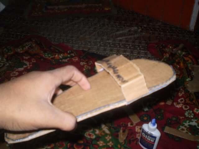 17. Five Minutes Poor Man Sandal DIY