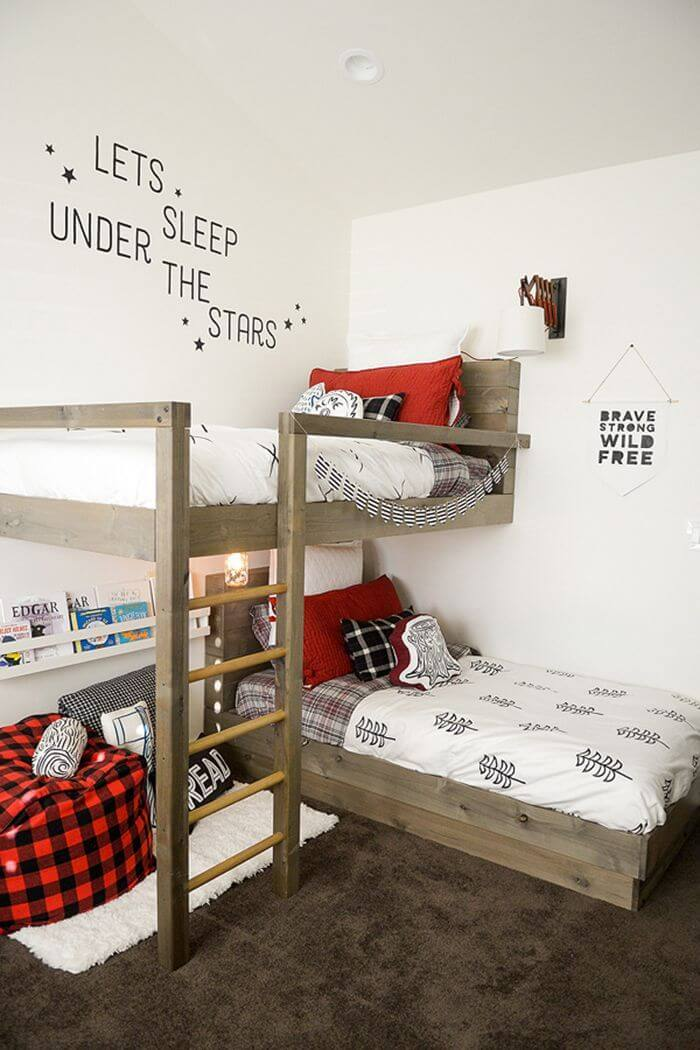 18. Lumberjack themed bed