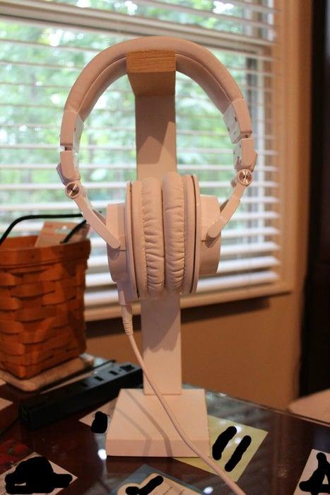 2. Simple DIY Headphone Stand