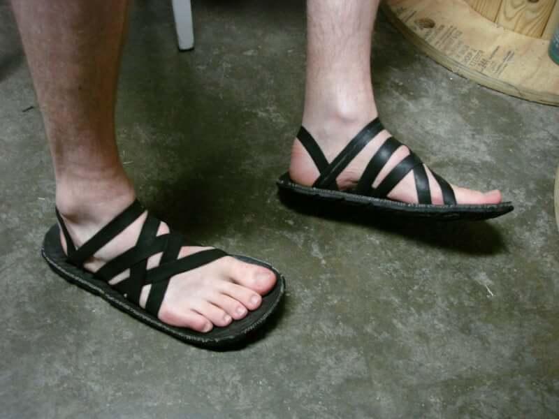 21. Comfy Tire Sandals DIY