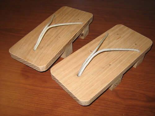 25. DIY Geta Sandals