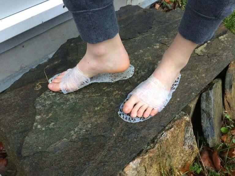 29. Glue Sandals DIY