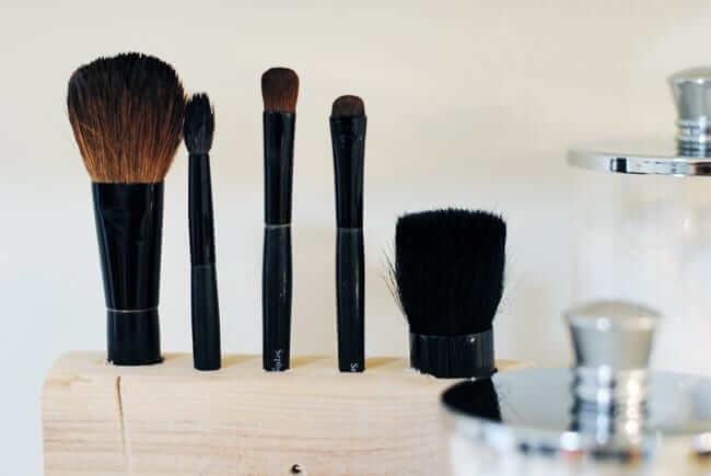 3. Cheap DIY MakeupMakeup Brush Holder