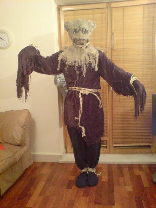 6. How To Make A Doctor Who Scarecrow