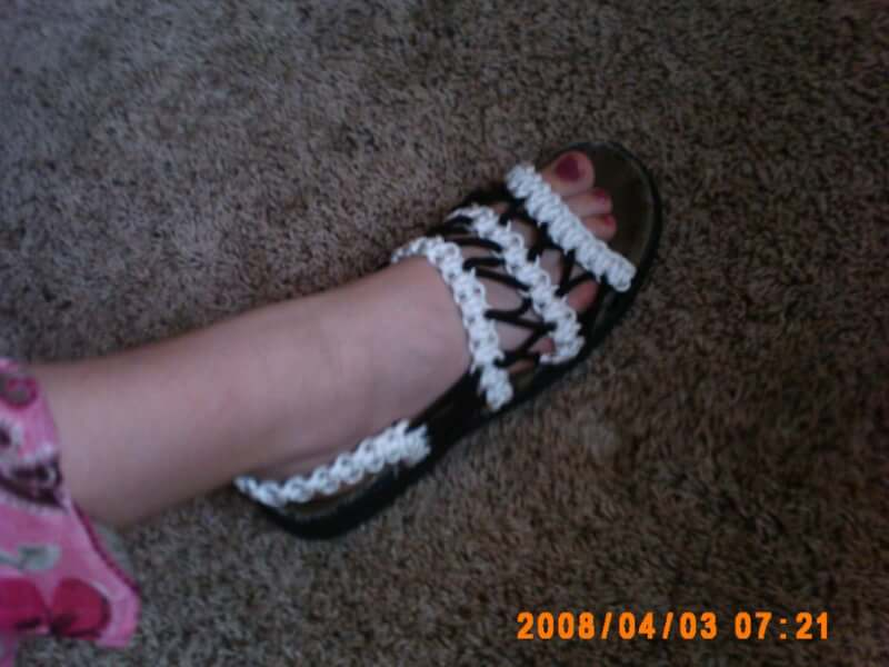 8. Constructing Para cord Sandals DIY