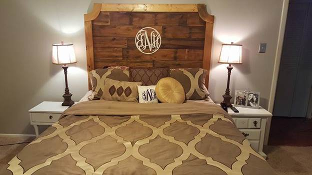 8.Queen Size DIY Rustic Headboard