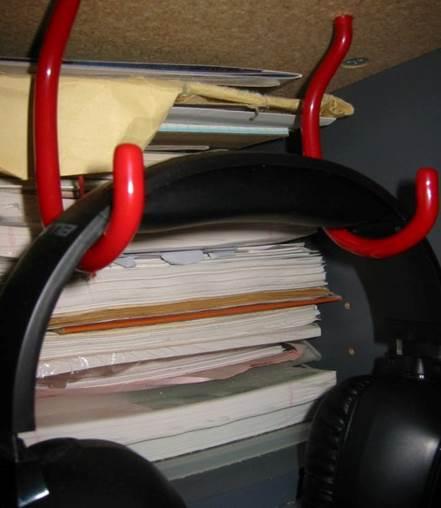 9. Bicycle Hook DIY Headphone Stand