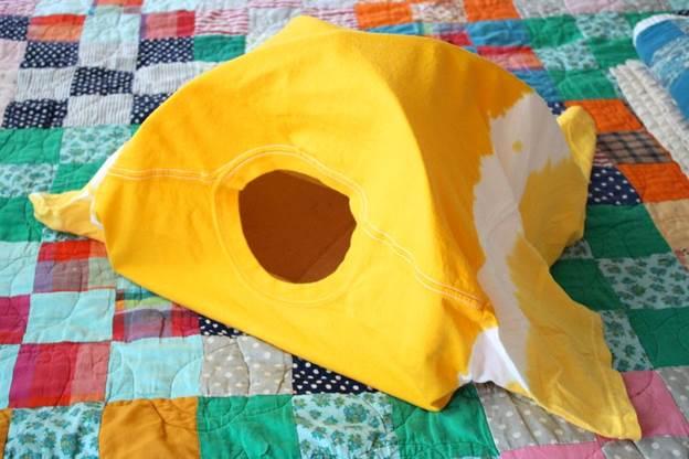 9. Cat DIY Bed Tent