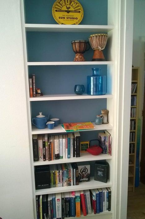 15. DIY Built In Bookshelf