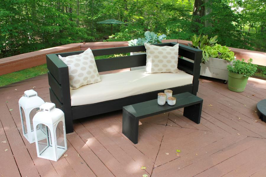 15. Modern Outdoor Sofa Plans