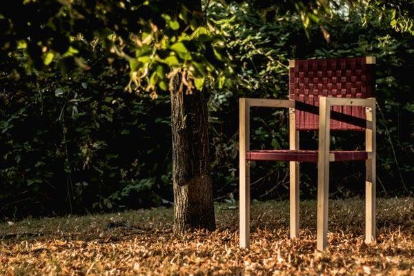 16. DIY Simple Outdoor Chair