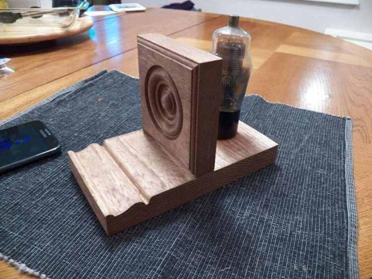 16. DIY Tablet Stand