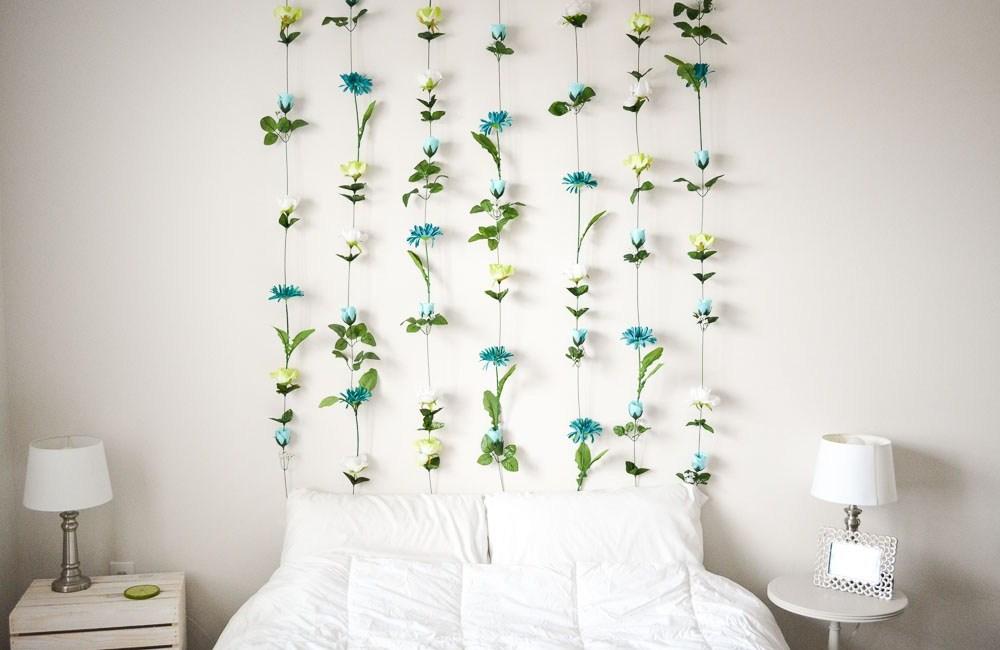 18. Headboard Flower Wall