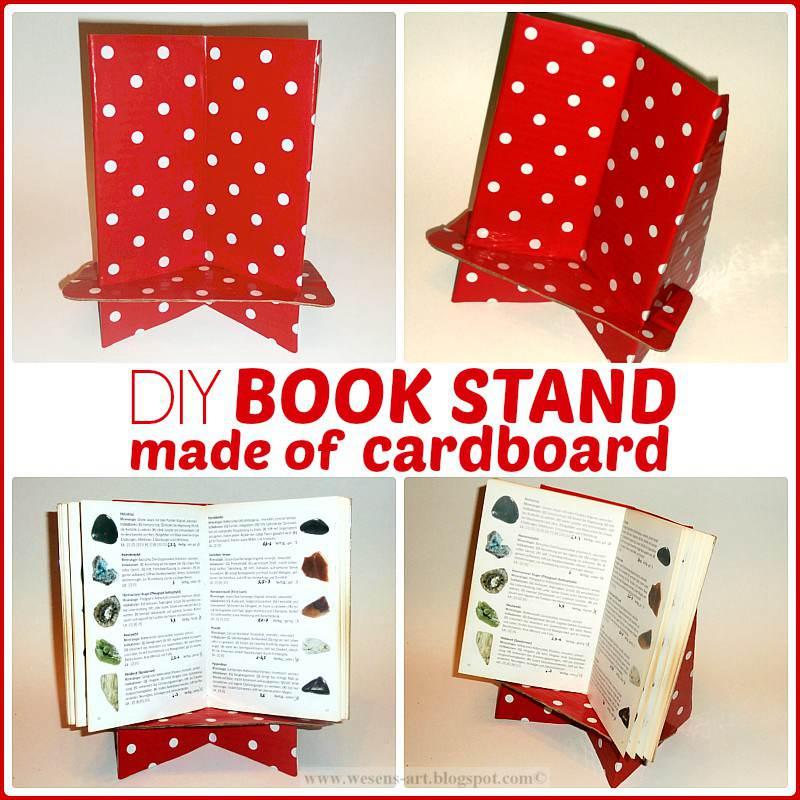 17. Cardboard Buchständer Stand