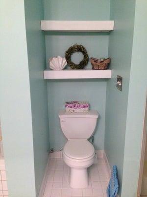 18. DIY Cheap Bathroom Shelves